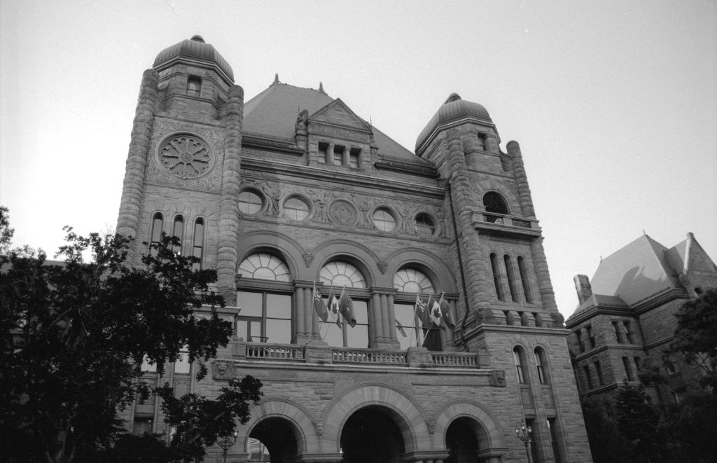 Queen's_Park,_Toronto